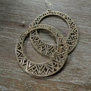 Jewelry - 🔴5/$15!! Tribal Print Hoop Earrings